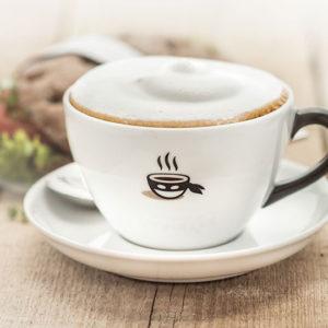 Ob Milchkaffee, Espresso, Cappucino oder Latte Machiato: Bei Baristaz erlebst du unverfälschten Genuss in fruchtigen, nussigen und feinwürzigen Noten.