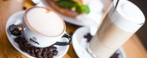 Kalte und warme Kaffee-Köstlichkeiten bei Baristaz in Koblenz und Mainz.